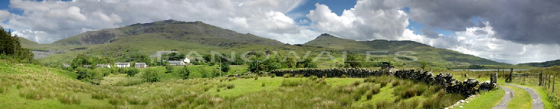 Looking towards Snowdon and Yr Aran from the east of Rhyd-Ddu
